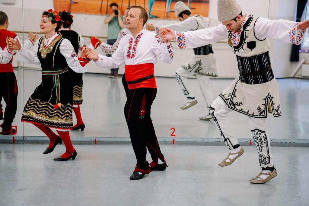 Volkstänze lernen in Bulgarien 3 © agentur better